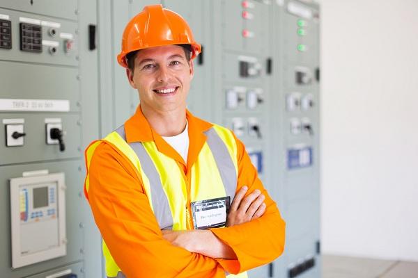 Milyen feladatot kell ellátnia a munkavédelmi képviselőnek?